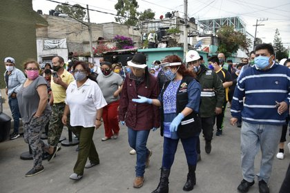 Claudia Sheinbaum recorrió las calles de la Ciudad de México en zonas donde la lluvia causó desastres (Foto: Dirección de comunicación social CDMX )