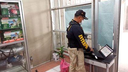 Un agente trabajando en La Paz, Bolivia (Interpol)