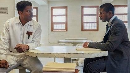 """Jamie Foxx y Michael B. Jordan, en una escena de """"Buscando justicia"""""""