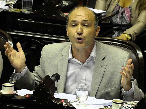 El diputado Guillermo Carmona (Charly Díaz Azcué)