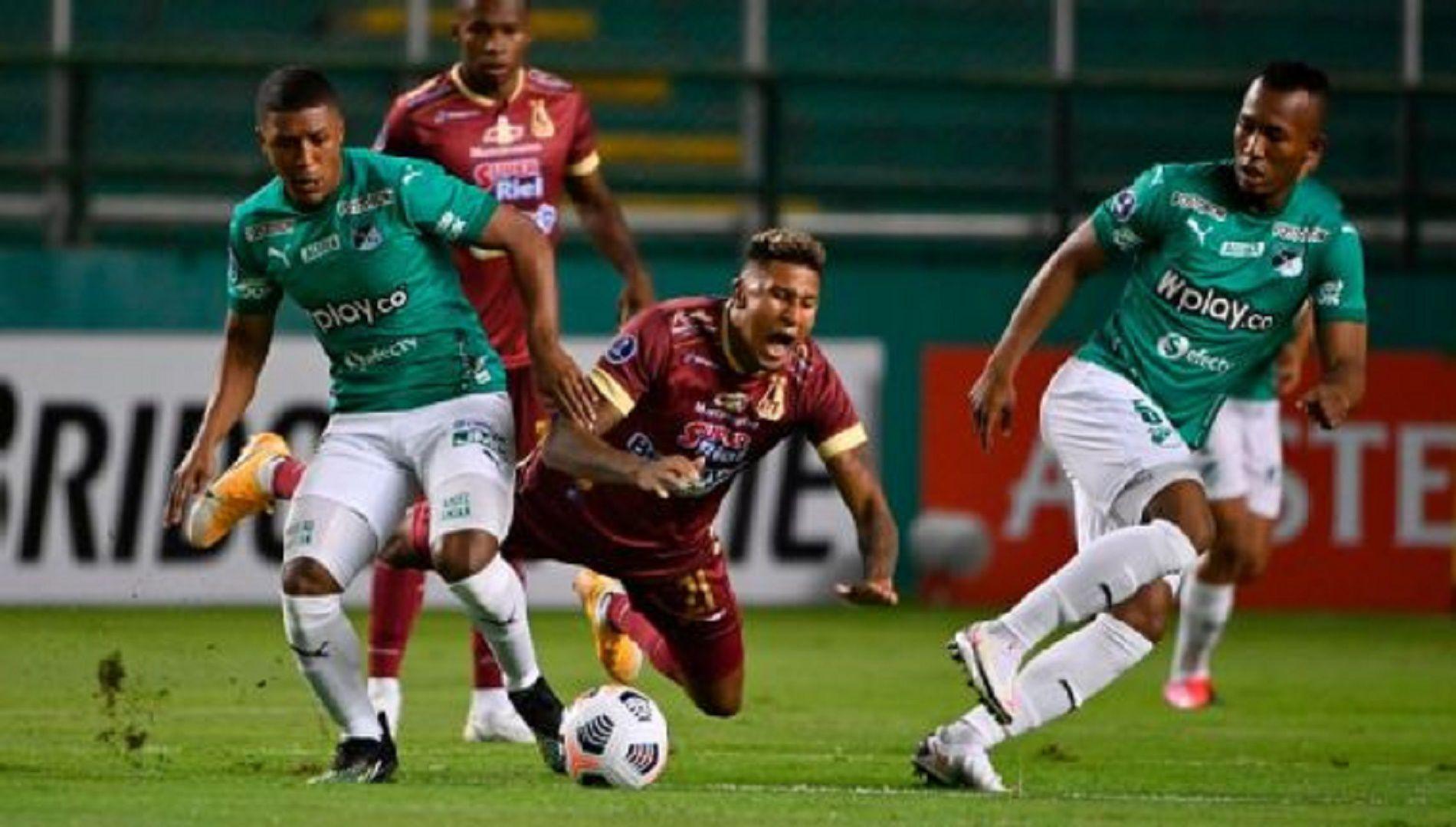 Acciones del encuentro por la Copa Sudamericana entre Deportivo Cali y Deportes Tolima, que ganó éste último por global de 3-0