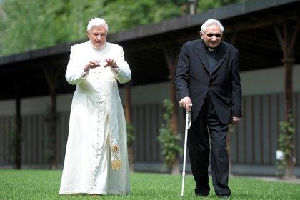 Los dos hermanos, en una imagen de 2008 (Reuters)