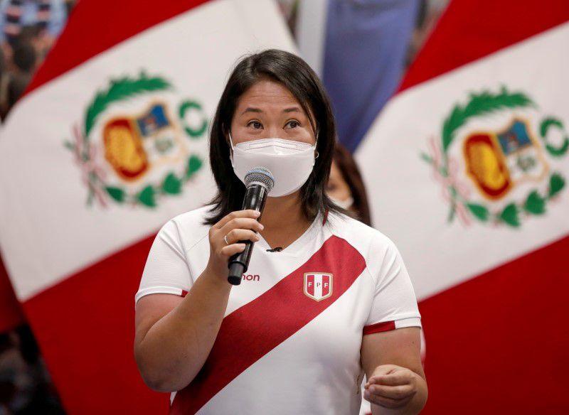 IMAGEN DE ARCHIVO. La candidata presidencial de derecha Keiko Fujimori durante una conferencia de prensa, en Lima, Perú, Mayo 8, 2021. REUTERS/Angela Ponce