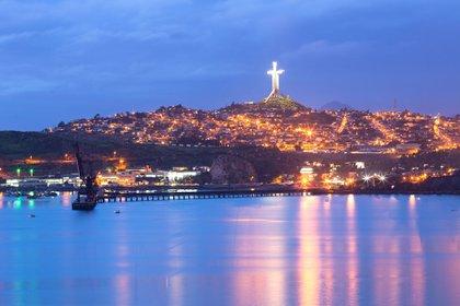 Para llegar hasta Coquimbo por vía aérea, es necesario volar a su ciudad vecina, La Serena (Shutterstock)