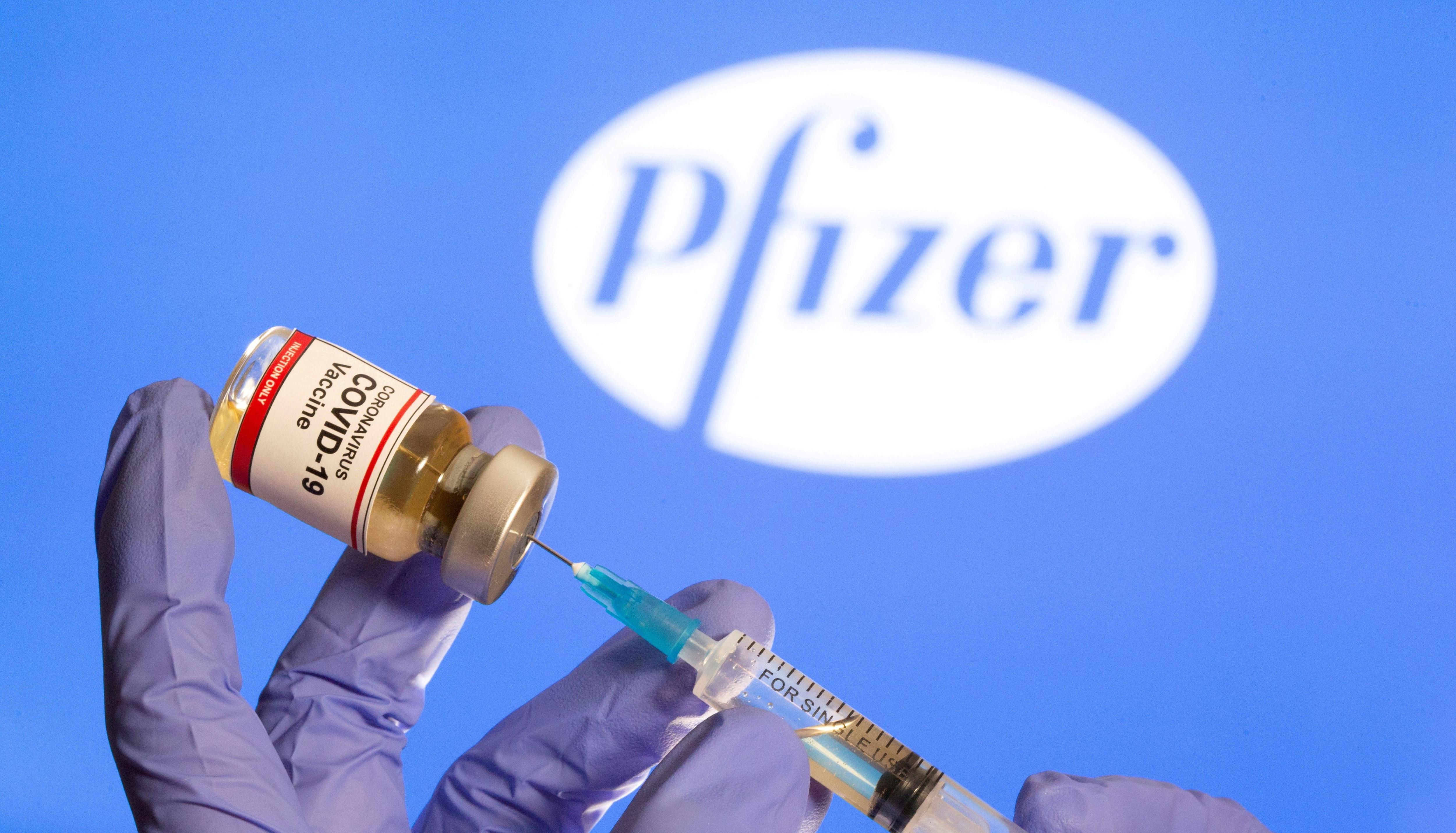Está basada en la tecnología del ARN mensajero, que lleva instrucciones de ADN para que las células del cuerpo humano generen ciertas proteínas protectoras. La misma comenzó sus ensayos en Alemania a fines de abril y en EEUU a principios de mayo (REUTERS)