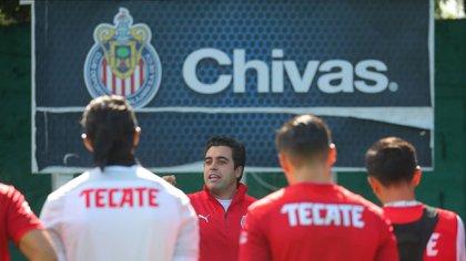 Marcelo Michel Leaño se dijo contento con el funcionamiento de los jugadores (Foto: Twitter/ @Chivas)