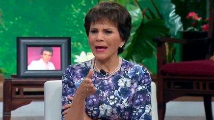 A la periodista Paty Chapoy se le habría salido un comentario negativo para el programa de La Voz, ya que dijo que la producción no sabía qué hacer para levantar el rating (Captura de Pantalla: @Ventaneandouno)