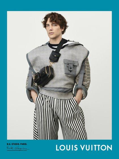 Los elegidos por el diseñador rinden homenaje a los nuevos bolsos de cuero, el Coussin y el Rendez-vous