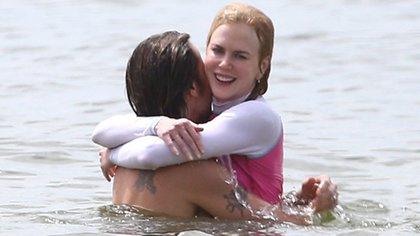 Nicole abraza a su marido Keith Urban.  162