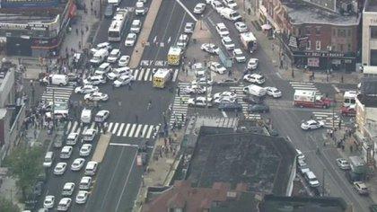 Las autoridades han pedido evitar el área hasta que capturen a los tiradores (Foto: @CATERINAV)