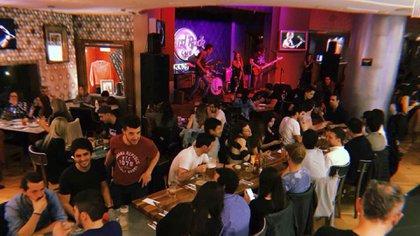 Hard Rock Café, uno de los locales clásicos de las terrazas del Buenos Aires Design (Facebook)