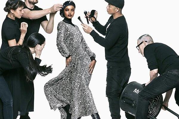 Halima Aden, la musa elegida por las grandes marcas que impone sus reglas a los diseñadores