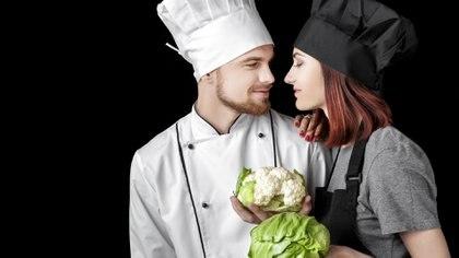 Algunas personas veganas optan por dejar de tener intimidad con quienes no comparten esa misma convicción (Getty)