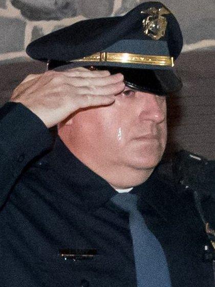 Los agentes no lograron resistir las lágrimas (Foto: Facebook Newberry Township Police)