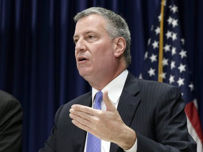 El alcalde de Nueva York, Bill de Blasio. EFE/EPA/JASON SZENES/Archivo