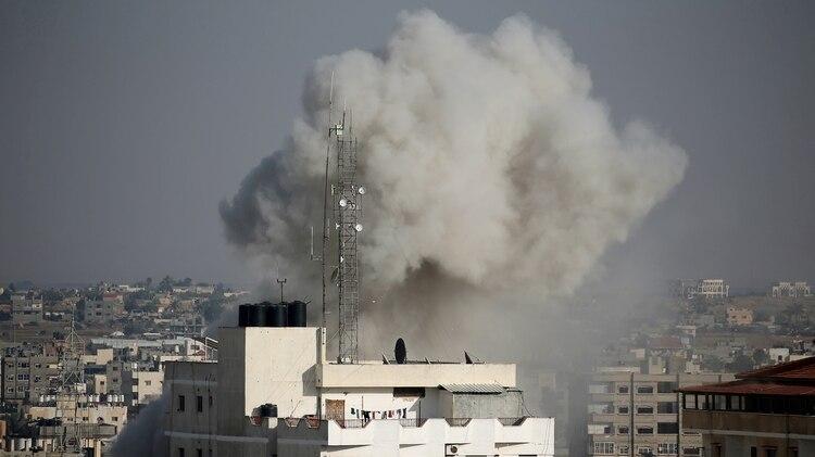 Israel respondió a los ataques desde Gaza (Archivo / REUTERS/Ibraheem Abu Mustafa)