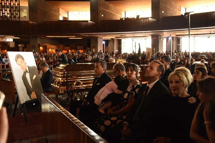 Núñez aseguró que el cantante quería ser enterrado junto asu madre, Margarita Ortiz (Foto: Ana Hernández/Infobae México)