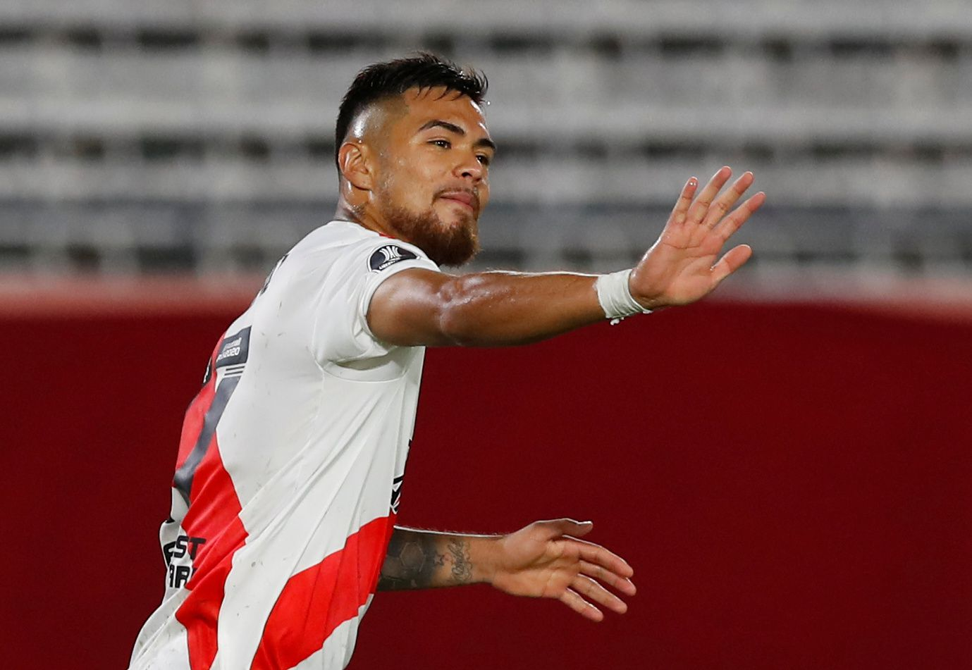 Paulo Díaz sufrió una distensión muscular en gemelo derecho. REUTERS/Agustin Marcarian
