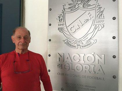 Célio Taveira Filho estuvo de visita en Nacional en 2011 (@SalimoUy)