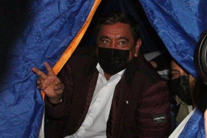"""""""Nosotros vamos a recurrir a todo lo legal, a todo lo jurídico. Vamos a trabajar de manera conjunta en Guerrero y en la Ciudad de México. De una vez se los digo, si no soy candidato, ellos no van a seguir acá, tienen que caer, van a caer"""", sentenció Salgado Macedonio contra el Instituto Nacional Electoral. Ciudad de México, 6 de abril de 2021."""
