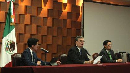 Marcelo Ebrard conferencia Cienfuegos (Foto: SRE)