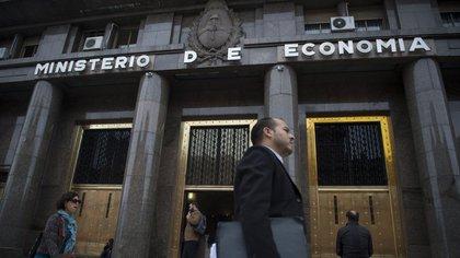 """El palacio de Hacienda, nueva """"oficina"""" de Guzmán"""