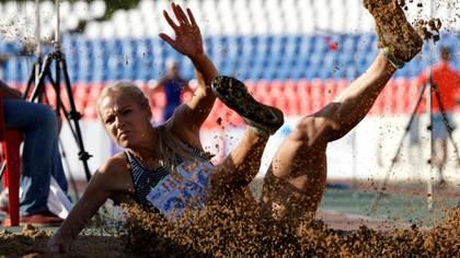 La atleta rusa alcanzó un registro histórico con 20 años (Reuters)