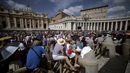 La plaza San Pedro en el Vaticano, durante una ceremonia (AFP)