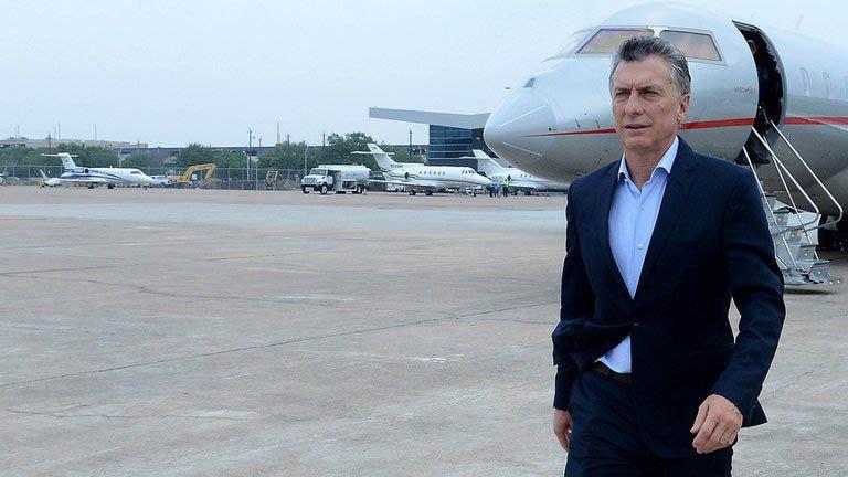 Mauricio Macri viaje en avion