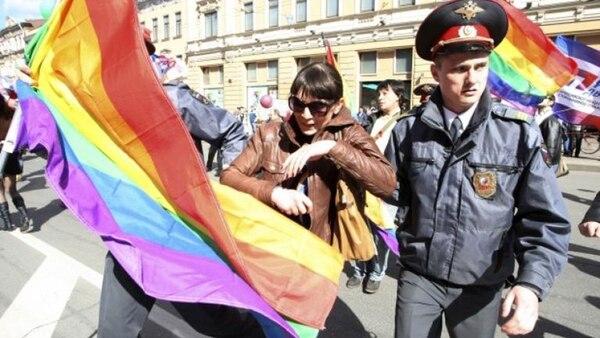 El Gobierno mexicano recomienda a la comunidad LGBT no exponerse a insultos o sanciones
