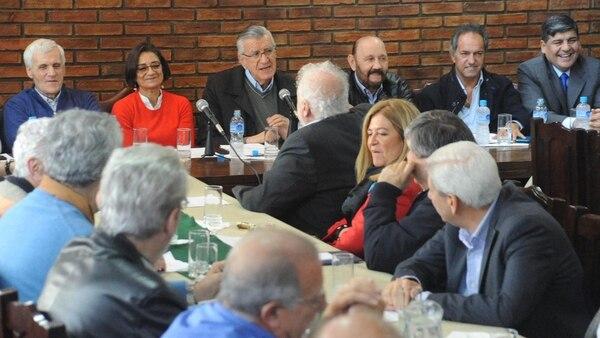 José Luis Gioja encabezó el encuentro en la sede del PJ