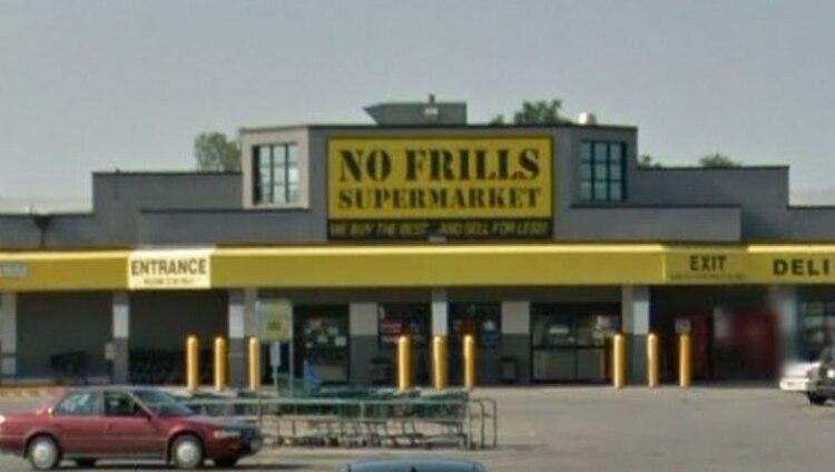 El supermercado donde trabajó Larry Ely Murillo-Moncada hasta su muerte cerró sus puertas hace tres años, pero fue en enero pasado cuando los contratistas se dieron cita en sus instalaciones para remover los muebles (Foto: Google)