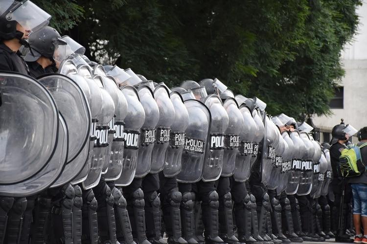 La Policía de la ciudad de Buenos Aires armó un cordón frente al ministerio de Desarrollo Social