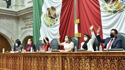Nueve diputados del PAN y una diputada del PT votaron en contra del dictamen (Foto: Twitter@Legismex)