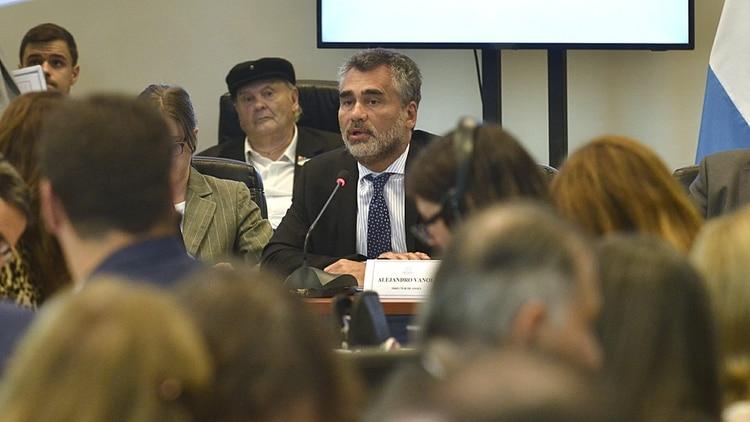 Alejandro Vanoli, titular de la ANSES, durante su exposición en el plenario de comisiones de Diputados
