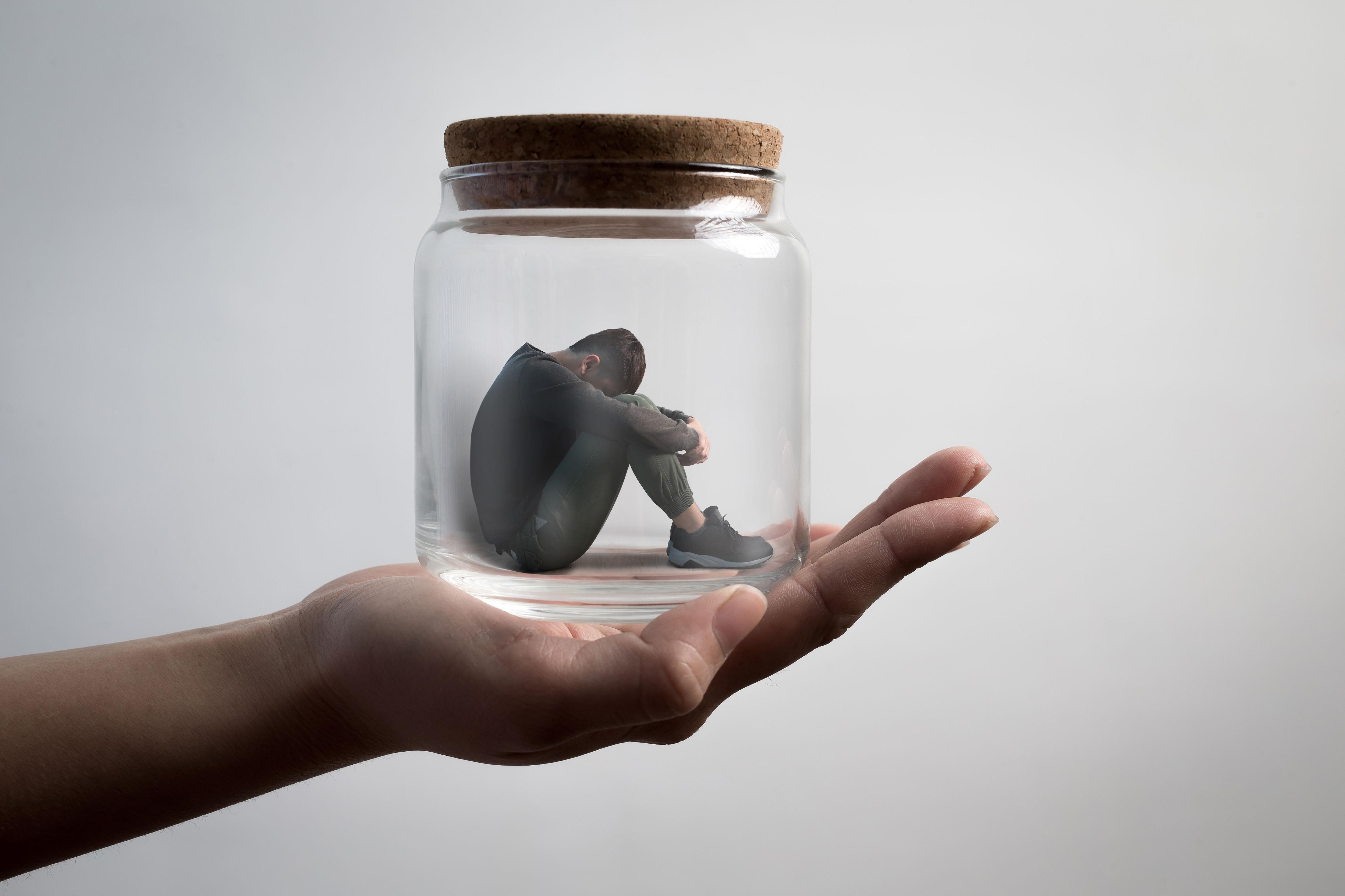 El primer paso es buscar ayuda de un profesional en salud mental para tener un diagnóstico (Shutterstock)
