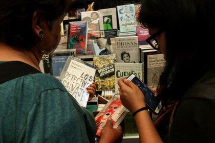 """""""Los grandes sellos editoriales, cada vez más monopólicos y concentrados en las ventas, suelen reclamar a sus autores novelas"""", asegura Valenzuela (GALO CAÑAS /CUARTOSCURO.COM)"""