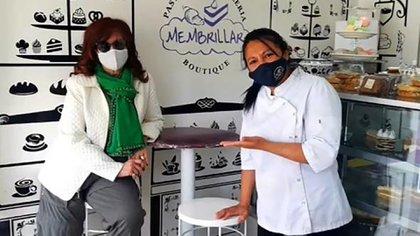 Cristina Kirchner, en una salida de descanso en el Sur. Se espera que al regreso de señales desde el Senado