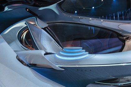Sin volante ni pedales y con un control universal: así se acciona el Mercedes-Benz Vision AVTR. (Daimler)