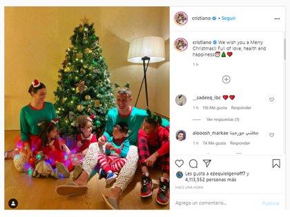 La foto familiar de Cristiano Ronaldo por la Navidad que causó furor en las redes