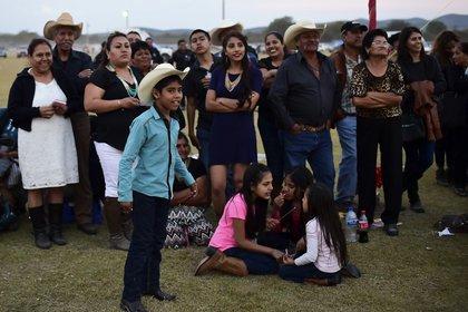 Entre los muchos eventos hubo una carrera de caballos que se saldó con la muerte de un hombre (AFP)
