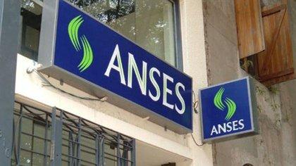La Anses amplió su atención virtual mientras dure la cuarentena