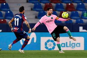 Con un gol de Messi, Barcelona vence 2-0 al Levante y es líder de La Liga de España