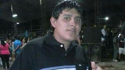 Ariel Velásquez fue asesinado en agosto pasado. Su caso generó revuelo y solidaridad en todo el espectro político.  162