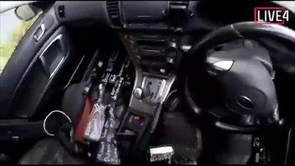 Las armas usadas por el tirador que estaban en su auto antes de la masacre (AP Photo)
