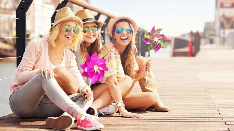 Alcanzar la felicidad es la gran meta de nuestras vidas y, sin embargo, resulta muchas veces un camino largo y sinuoso. (Istock)
