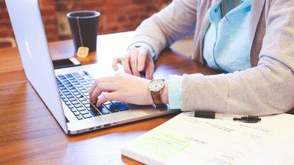 El registro puede llevarse a cabo por internet. (Pixabay)