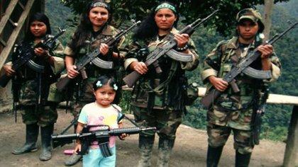 El reclutamiento de menores ha sido una práctica histórica del conflicto colombiano pero durante la pandemia las cifras se han disparado superando y doblando la totalidad de casos del año pasado.