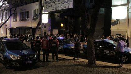 La policía clausura una fiesta clandestina