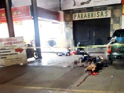 Este martes fueron asesinadas cinco personas en una taquería en Irapuato, Guanajuato (Foto: Especial)